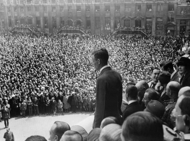 1927-05-29 Charles Lindbergh in Brussels (Archief Stad Brussel)