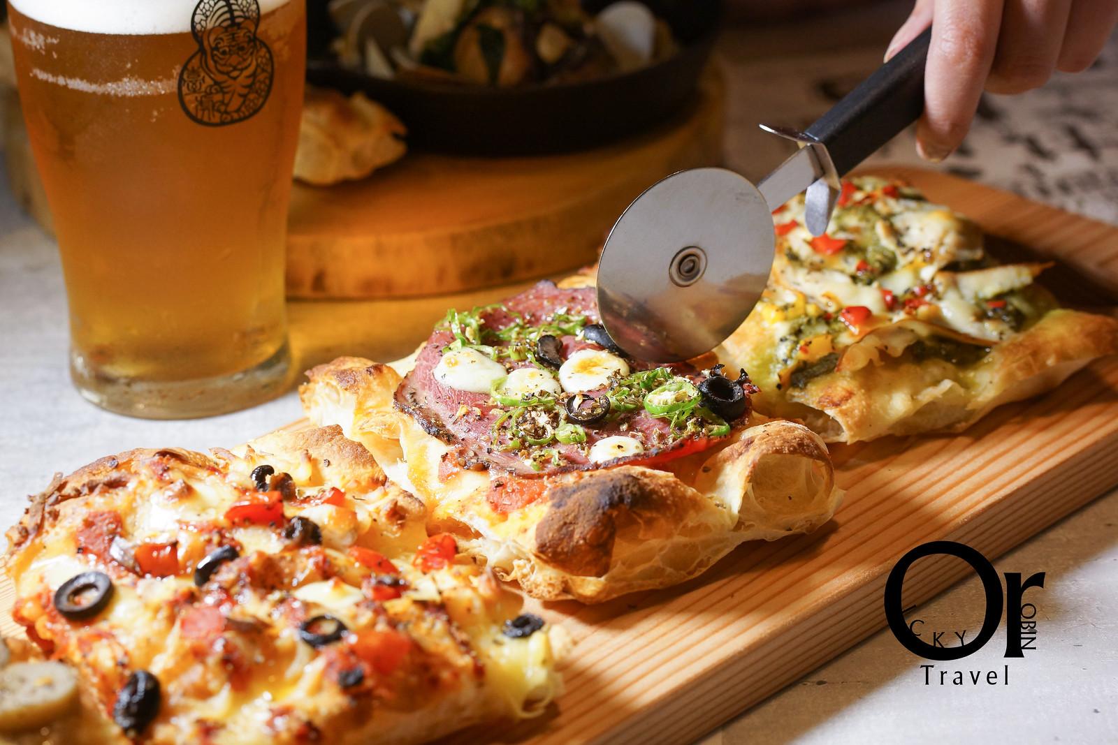 市府松菸│紐約正夯的羅馬蜂巢Pizza台灣也吃的到囉!還有多款Pizza餅皮衍生的料理、餐酒館等級下酒菜、臺虎精釀啤酒,榮登歐奇近期聚餐新歡餐廳|PiZZAHOOD披薩樹
