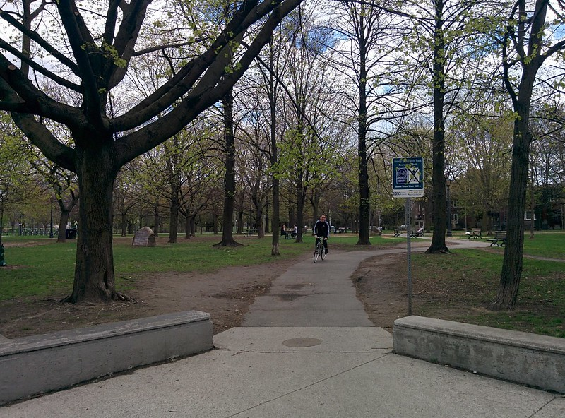 Into Trinity Bellwoods from Dundas #toronto #spring #trinitybellwoods #parks #dundasstreetwest #latergram