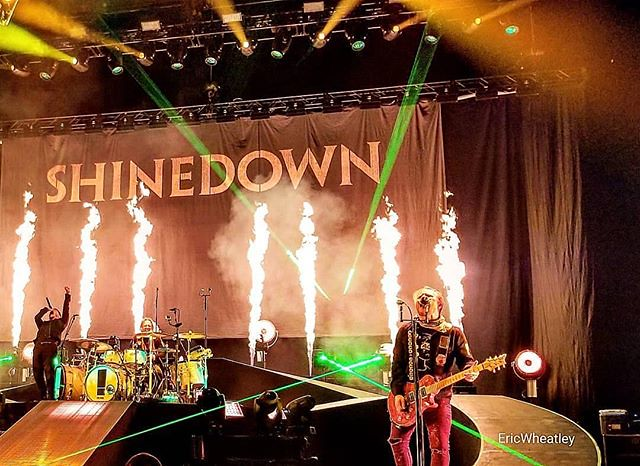 #Repost @xecuteulifer: @Shinedown #Nashville #shinedown #brentsmith #barrykerch #zachmyers #ericbass #bridgestonearena