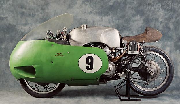 Histoire de la moto. 27174871377_ff082649f3_z