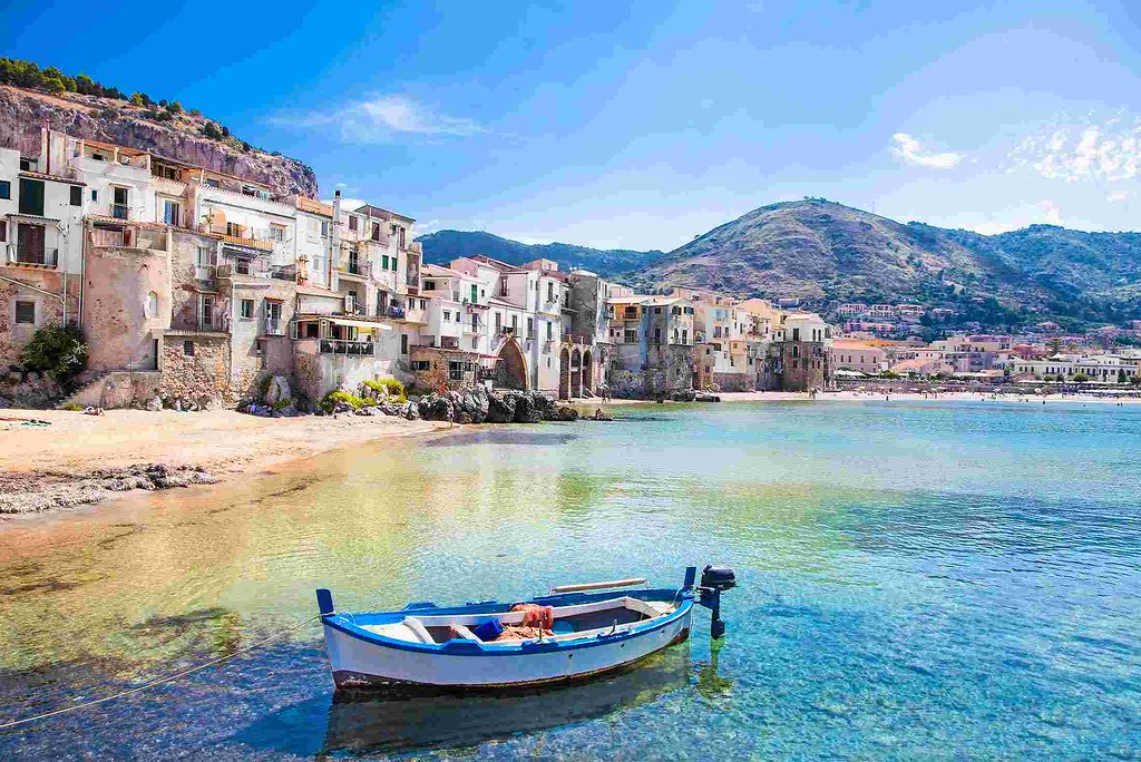 Sicily - The Most Romantic Honeymoon Destinations in Europe (planningforeurope.com) (2)