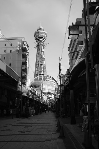 Tsutenkaku in afternoon on 20-05-2018 (1)