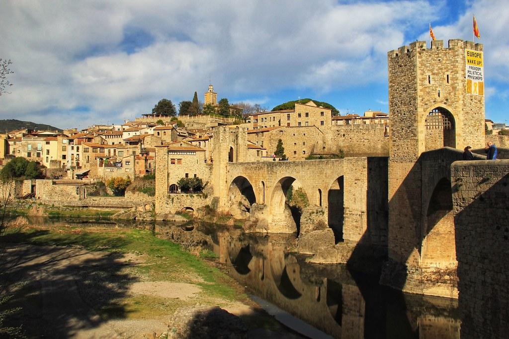 Romanesque Bridge, Besalú