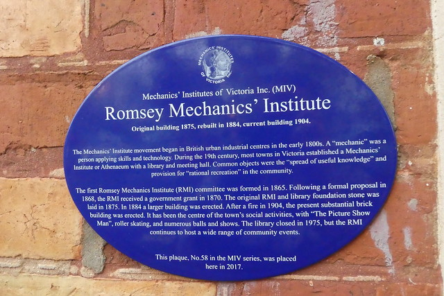 Photo of Romsey Mechanics' Institute blue plaque
