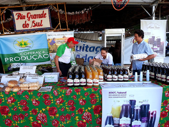 Residents of settlements sell great diversity of products at the 3rd National Agrarian Reform Fair in São Paulo - Créditos: Kelito Trindade