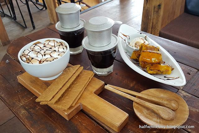 halfwhiteboy - the coffee library san juan la union 06