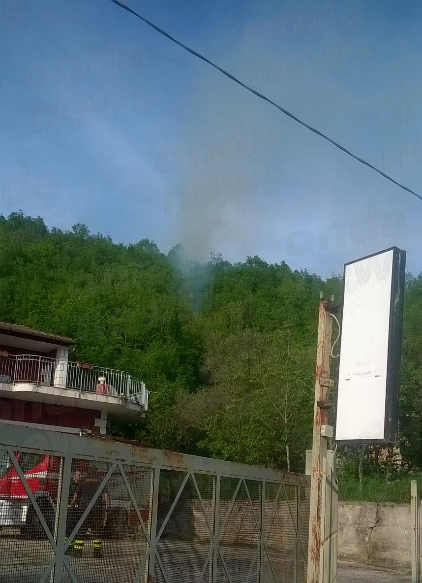 incendio boschivo roscigno 26-04-18