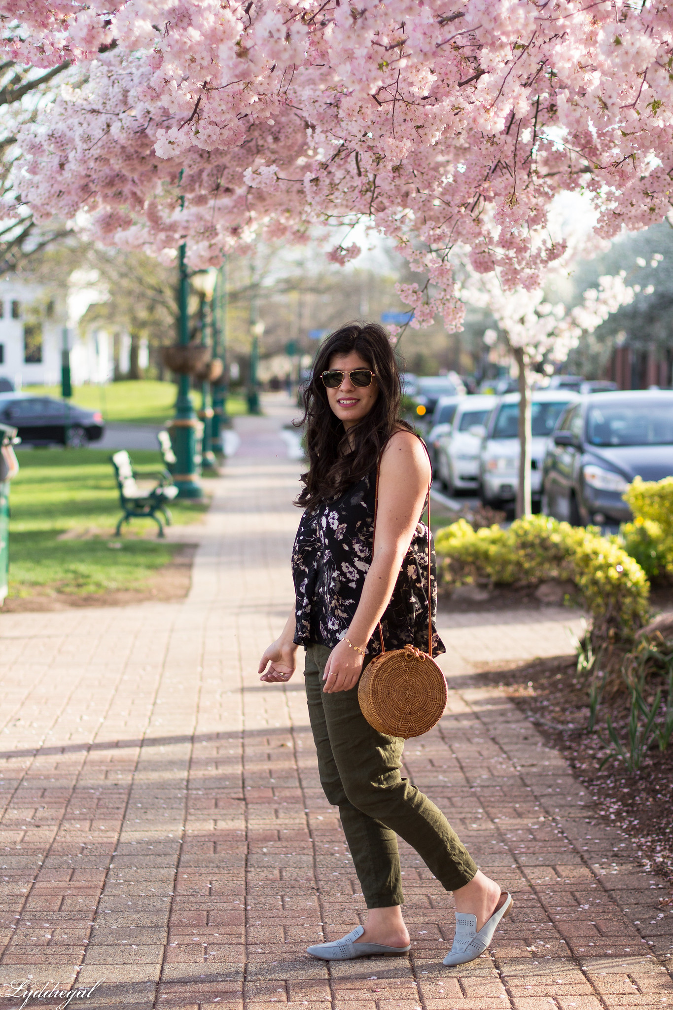 Floral tank, green linen joggers, blue loafers, round straw bag-6.jpg