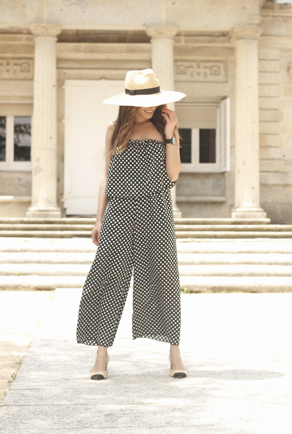 polka dot jumpsuit straw hat flat shoes street style spring outfit 201806