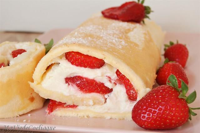 Roulé aux fraises sans gluten
