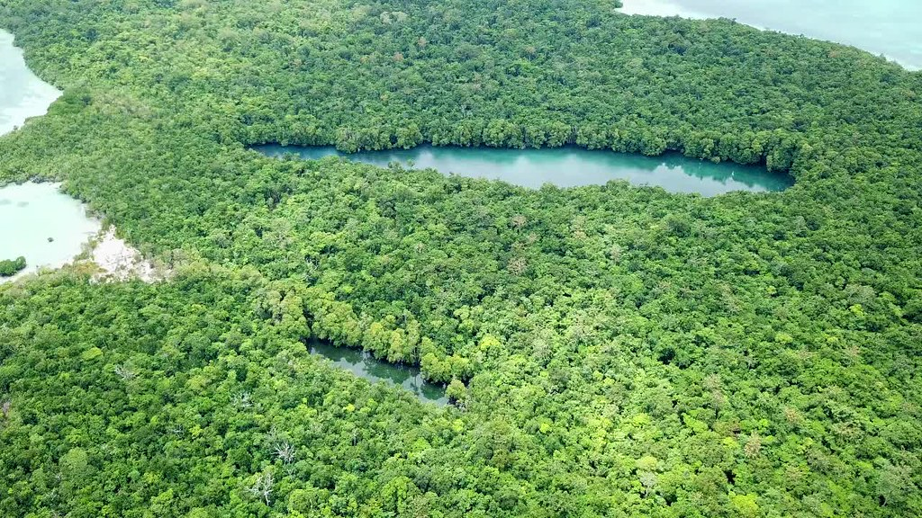 Lake Tahit Ko, Duroa Island, Kei, Tual, Moluccas