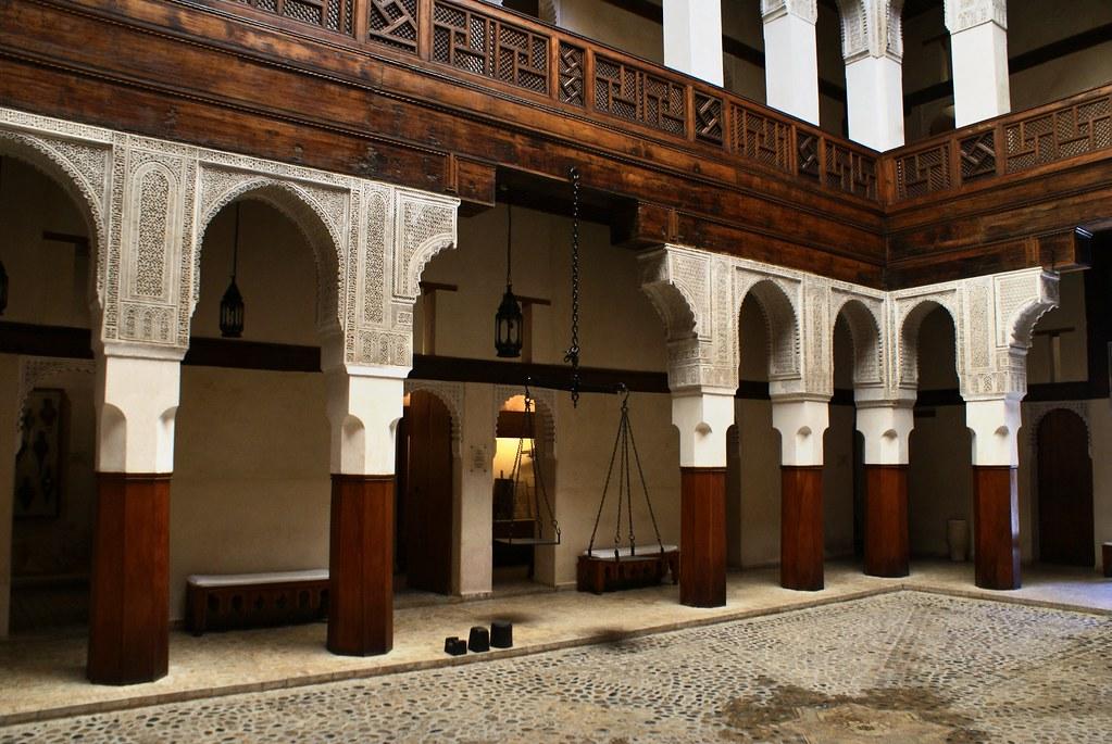 Musée Nejarrine sur l'artisanat du bois dans la médina de Fès.