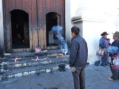 Chichicastenango: Barevný mayský trh kolem rituálního kostela Santo Tomás