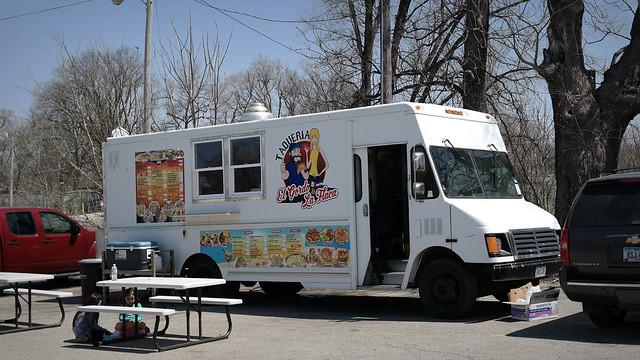 Taqueria El Gordo & La Flaca Taco Truck in Des Moines Iowa