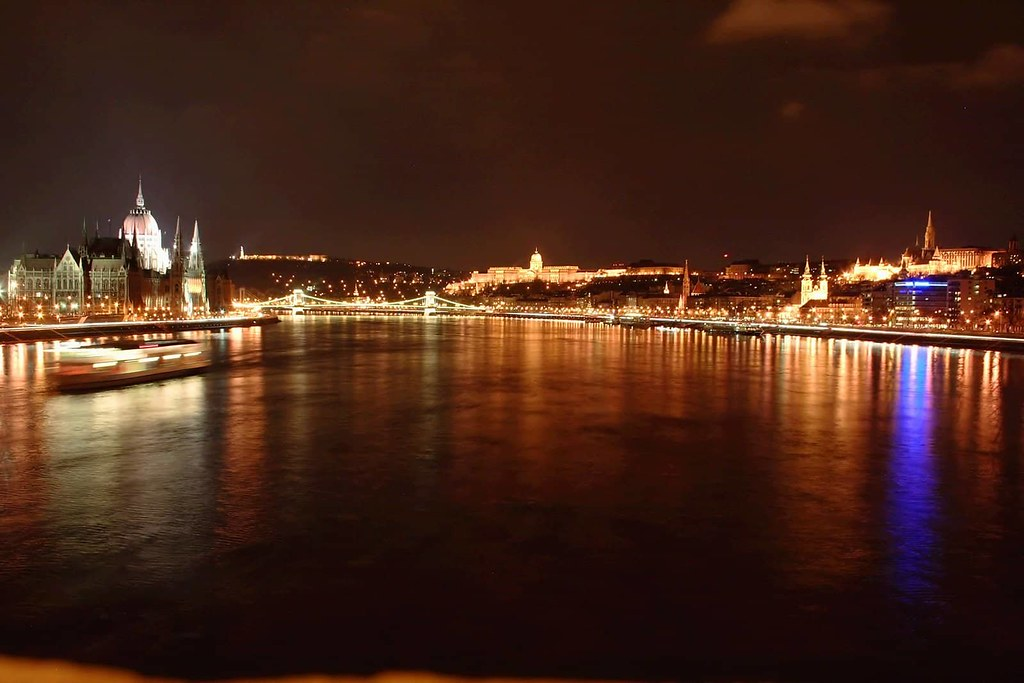 Budapest - The Most Romantic Honeymoon Destinations in Europe (planningforeurope.com) (3)