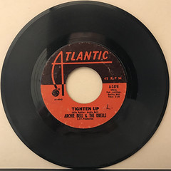 ARCHIE BELL & THE DRELLS:TIGHTEN UP(RECORD SIDE-A)