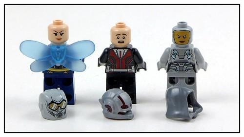 LEGO Marvel Superheroes 76109 Quantum Realm Explorers 14