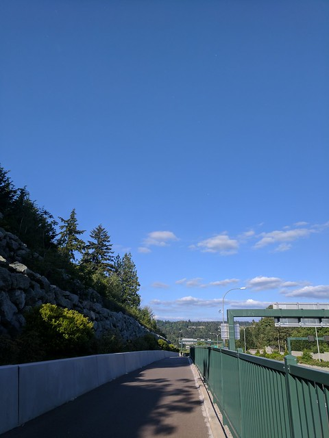 Diary of a Commute Bike: Pretty 520 Sky