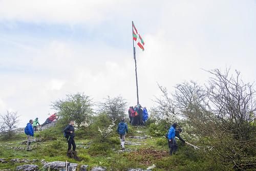 Se coloca la Maiatza de Ziordia en Urbasa