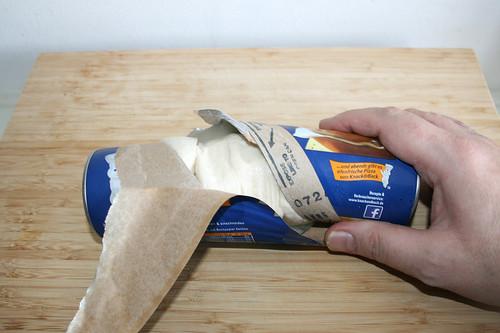 45 - Brötchenteigdose öffnen / Open dough can
