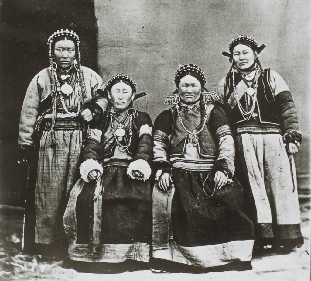Бурятские женщины Забайкалья