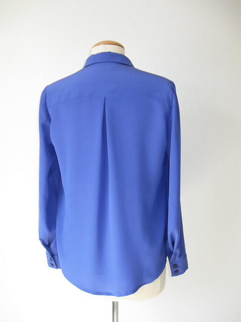 blue silkblouse on form backview