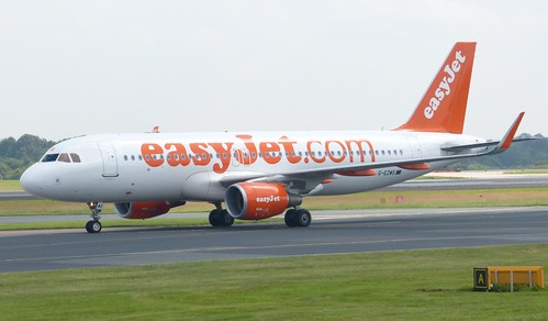 G-EZWS 'easyjet' Airbus A320-214 on 'Dennis Basford's railsroadsrunways.blogspot.co.uk'