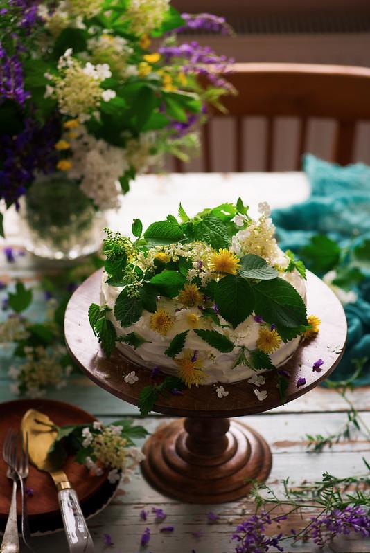 NETTLE AND LEMON CAKE WITH LEMON ICING.4