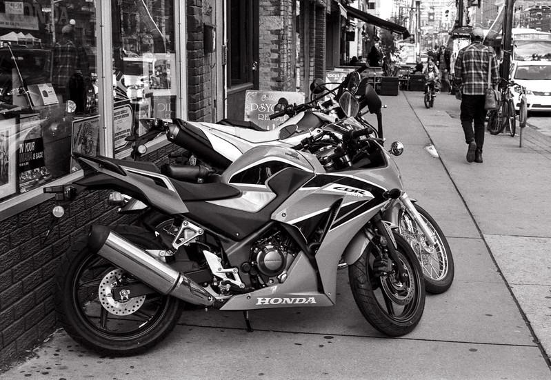 Sidewalk Honda_