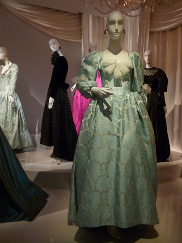 7 ysl museum - homage to fashion 3