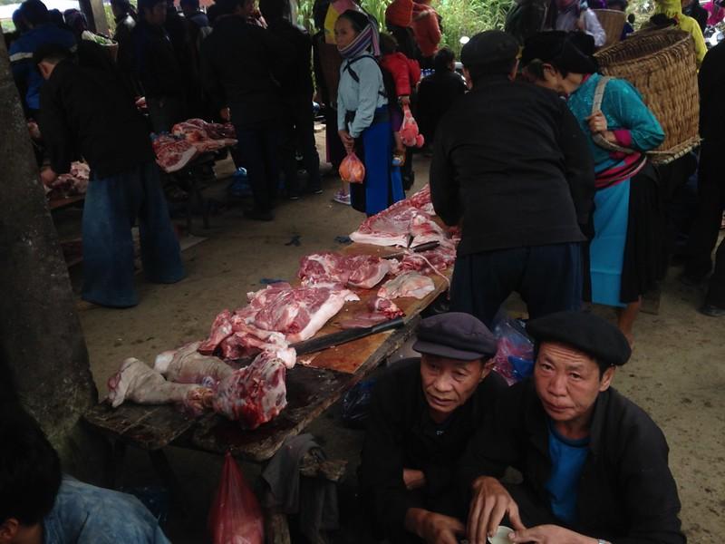 サフィン(Sa Phin)のマーケットとモン族王の館, 6