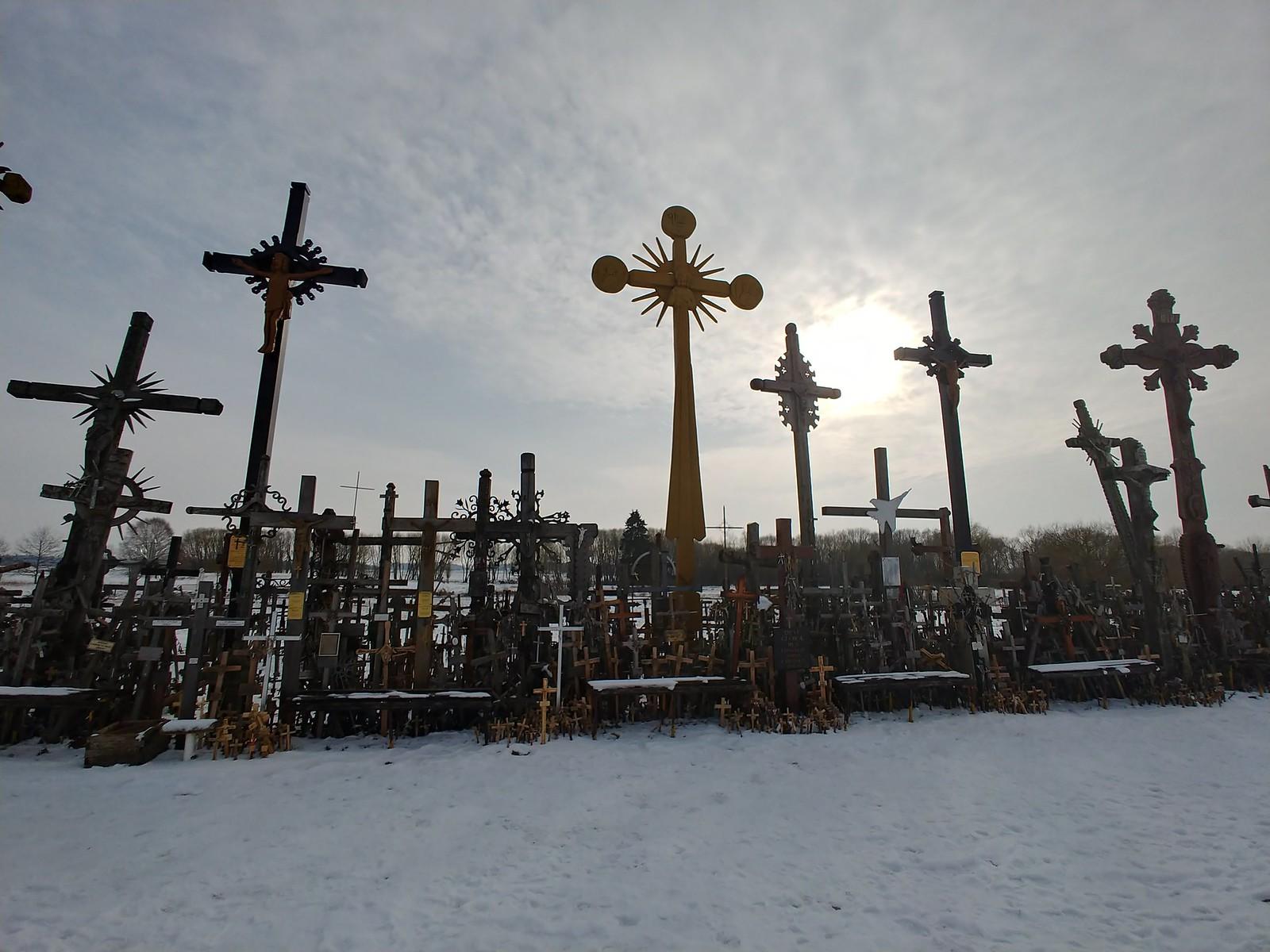 Литва. Гора Крестов рядом с Шяуляй.