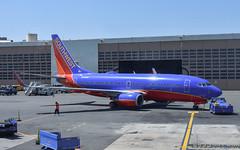 Boeing.737-7H4.N446WN.Southwest.KDCA.2018-05-01