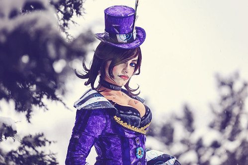 Disfusional Studios as Mad Moxxi from Borderlands 2 (video game). Photographer: Shawn M. Scott