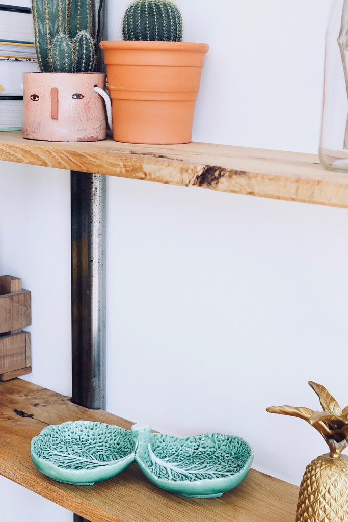 thrift, thrifting tips, top tips for thrifting, thrifting homeware, interiors, lifestyle, top tips, Katelouiseblog, Charity Shopping, charity shopping tips, buying secondhand tips, interiors, interior tips, thrifting tips and tricks, plant pots, lifestyle blog, luxury uk blog,