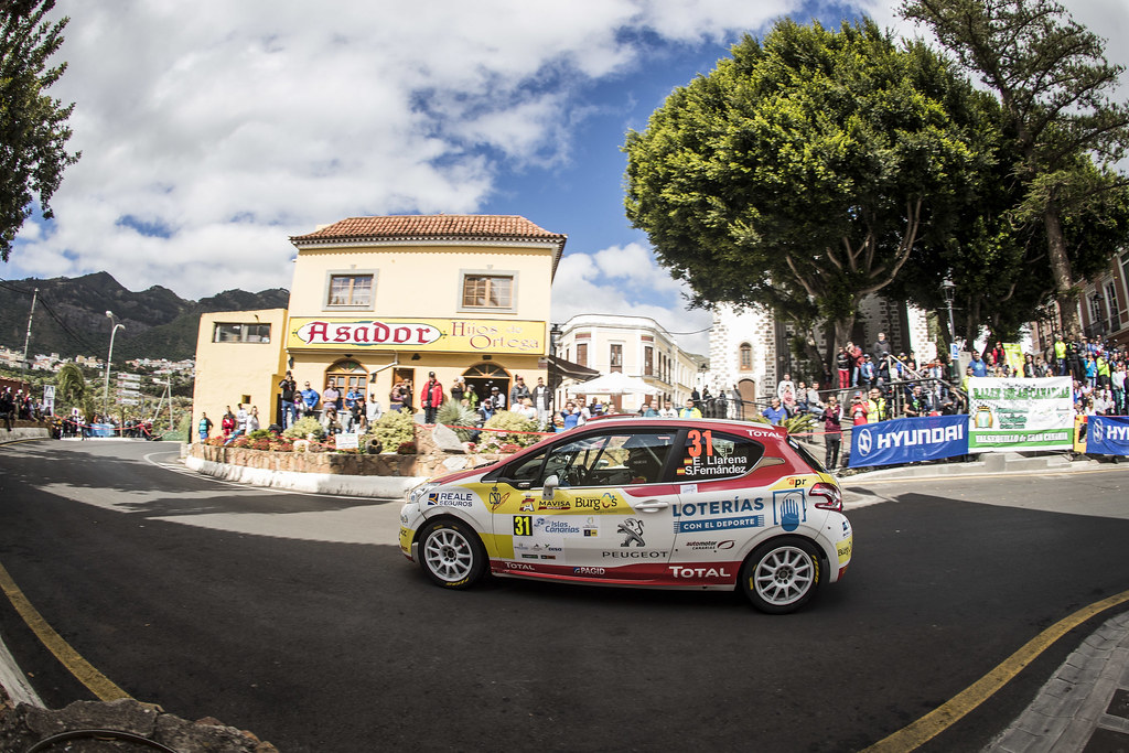 31 LLARENA Efren, FERNANDEZ Sara, Team rallye spain, Peugeot 208 R2, action during the 2018 European Rally Championship ERC Rally Islas Canarias, El Corte Inglés,  from May 3 to 5, at Las Palmas, Spain - Photo Gregory Lenormand / DPPI