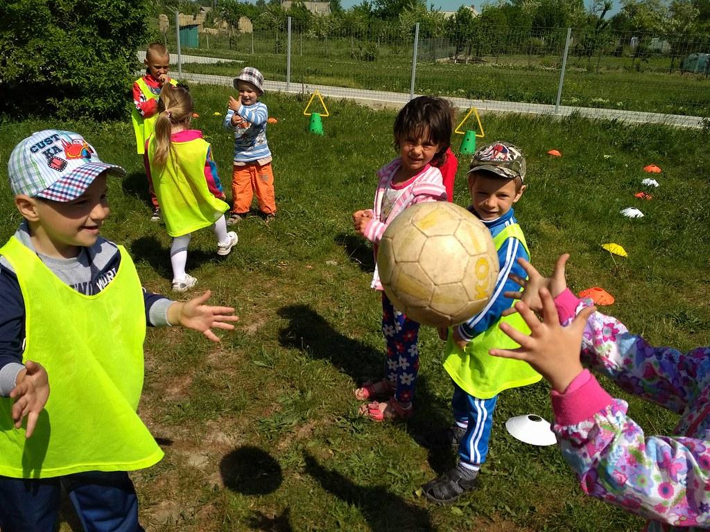 "Festival fotbalistic ""GRASSROOTS"" la Tochile Raducani"