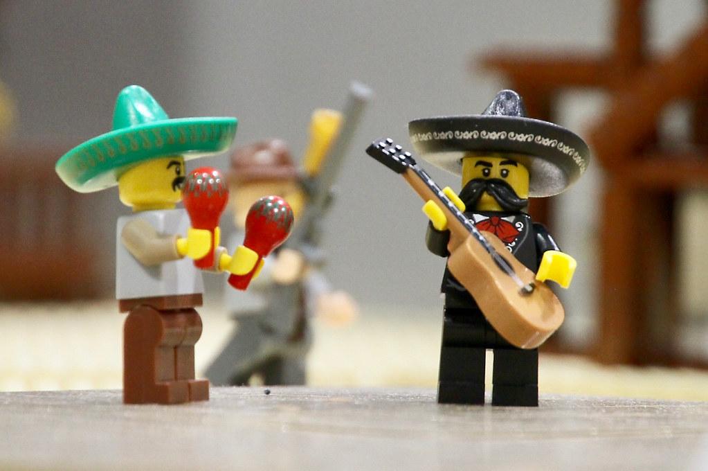 Lego mariachi