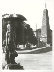 Wanganui City: A statue fountain of a girl holding an umperella in Moutoa Gardens in Wanganui,