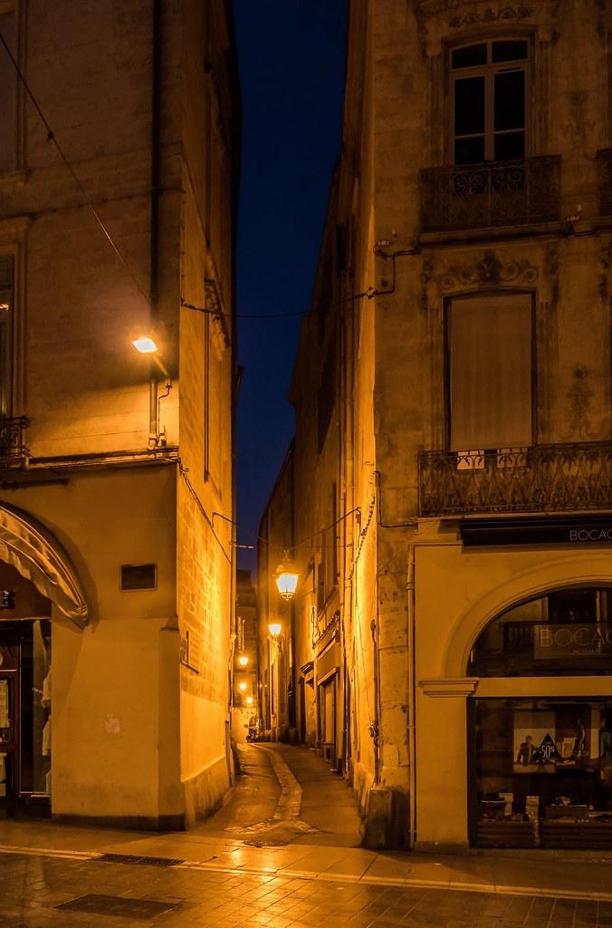Montpellier : ville d'ombre et de lumière... La suite 41641357322_ca05fffae7_b