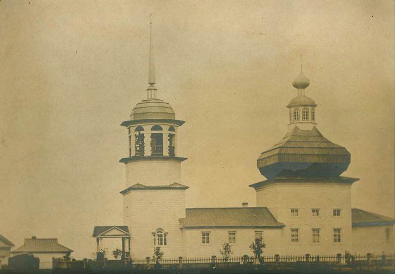 Богоявленская церковь_фото из личного архива жителя д.Поле Вадима Привалихина