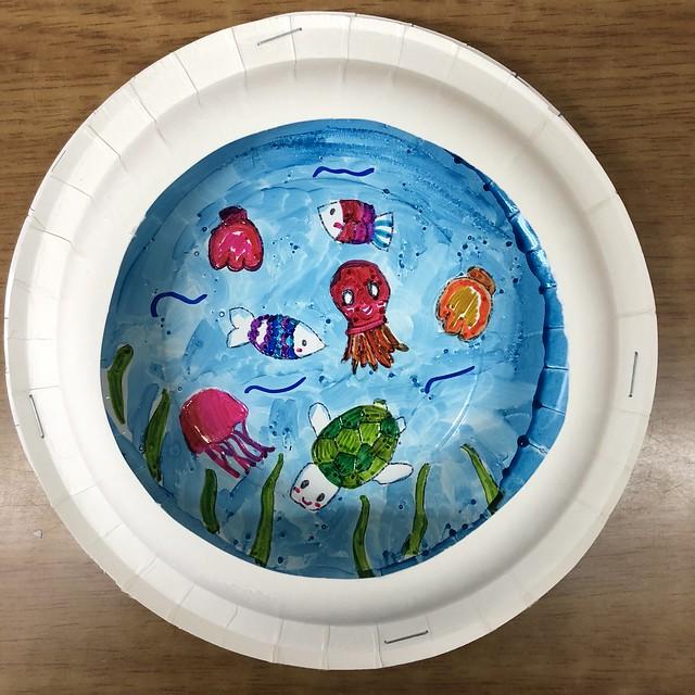 종이접시로 바다속 풍경 액자 만들기