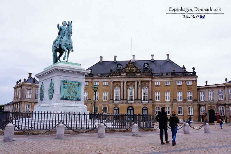2017 Europe Copenhagen Amalienborg Palace 03