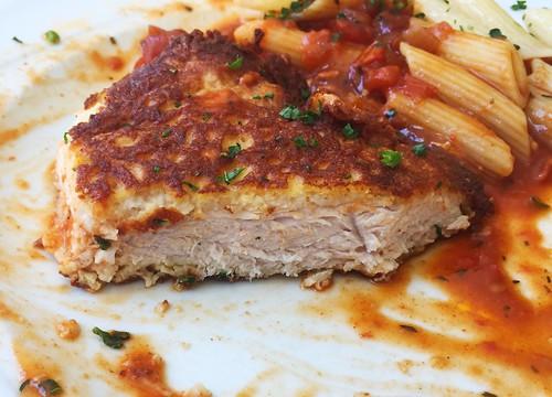Turkey escalope picatta milanese - Lateral cut / Putensteak Picatta Milanese - Querschnitt