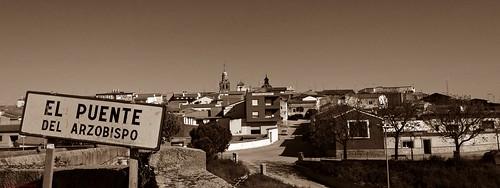 El Puente del Arzobispo, Toledo, España.