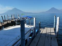 Panajachel: Motorovým člunem přes jezero Atitlán
