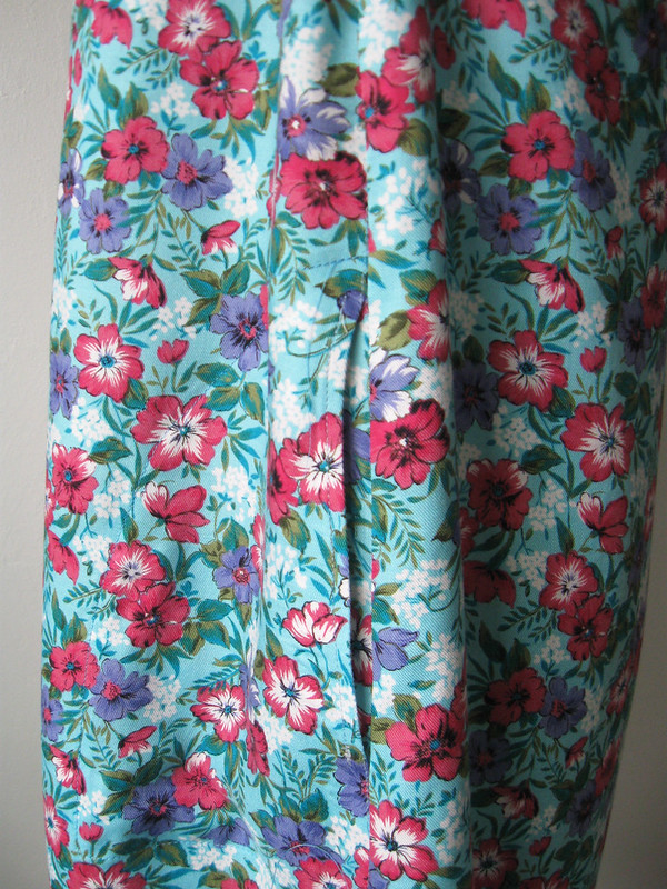 Bondi dress pocket closeup