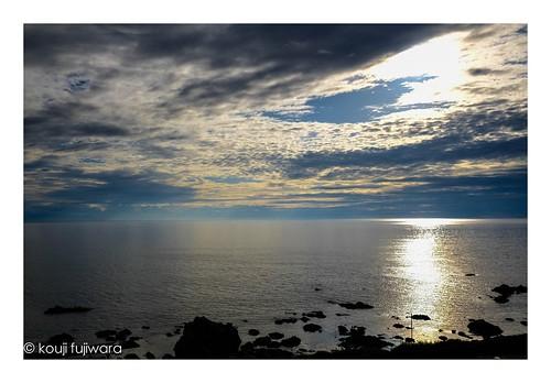 fujifilmxpro2 fujifilm xpro2 fujinon xf23mmf14 xf23mm f14 sea sescape sunset evening dusk seaofjapan reflection
