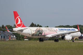Turkish Airlines A321-200 TC-JTP